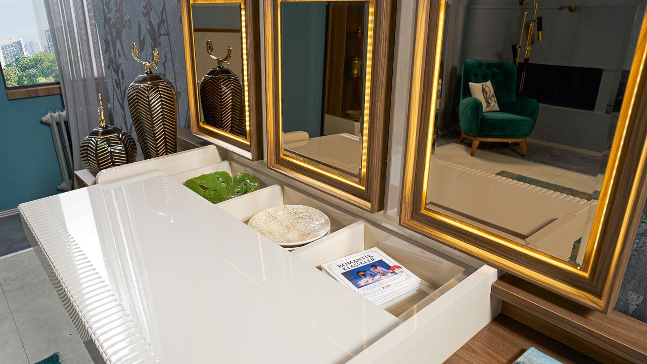 غرفة سفرة كابوتنية